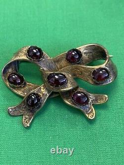 14k Bow Pin Cabishon Garnets Hand Made 9.6 grams