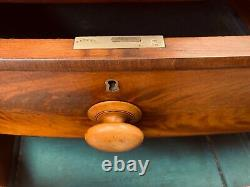 Antique Victorian 19th Century Figured Mahogany Chest Of Drawers Bow Fronted