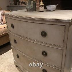 Elegant Grey Painted Bow Fronted Country Chic Vintage Mahogany Chest of Drawers