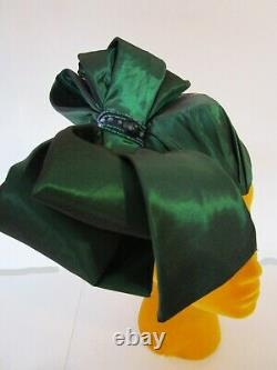 Emerald Arturo Rios Cocktail Percher Pillbox Hat Silk Huge Bow Handmade Cocktail