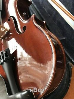 Jay Haide 4/4 Violin. HAND MADE 2004 Near mint, Earlier Model With JH Bow