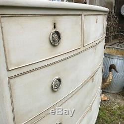 Large Antique Regency Grey Gustavian Country Style Bow Fronted Chest of Drawers